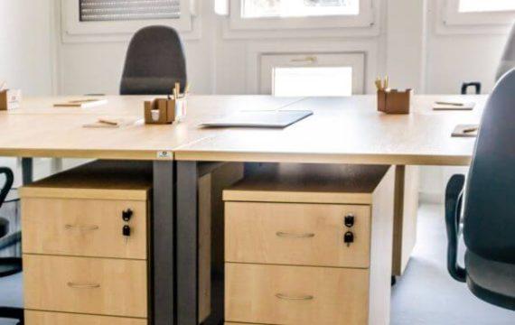 Biuro na budowie – jak je odpowiednio urządzić?